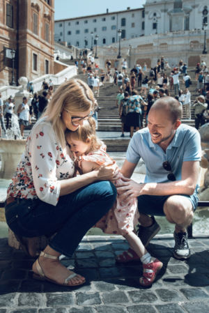 Family photo shoot in rome - Spanish steps