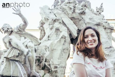 Local lens in Rome - Piazza Navona with Martina